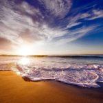 生命力,無限の可能性,潜在能力などを意味する「海」の夢占い12診断