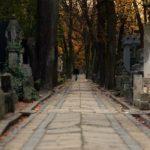 過去の自分との別れ,古い考えを捨てることを意味する「葬式」の夢9診断
